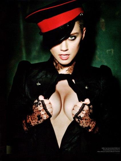 Amber-Heard-by-Ellen-von-Unwerth-for-Vs-Magazine-F_W-201106