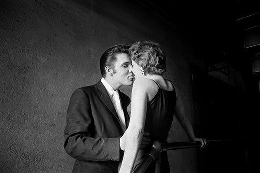 the-kiss-Elvis-Presley