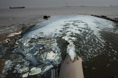 6.《開發與污染》jpg